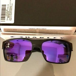Authentic Oakley Towface Sunglasses